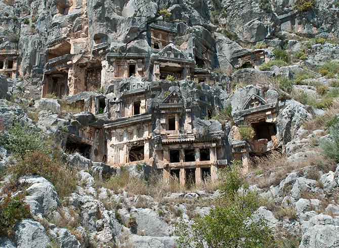 https://blog.baruthotels.com/assets/imgs/upload/5fb508f04780akaya-mezarlariyla-ilgi-ceken-telmessos-antik-kenti.jpg